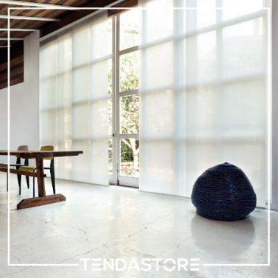 Ideali per vetrate e finestre di grandi dimensioni, pratiche e facili da manovrare, sono in tessuto lavabile e stirabile per una cura e manutenzione facilitata.